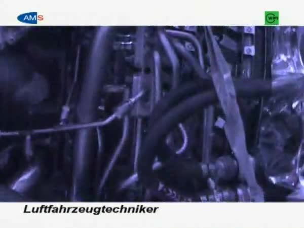 LuftfahrzeugtechnikerIn
