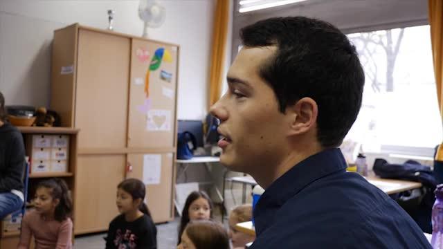 LehrerIn für die Primarstufe (VolksschullehrerIn)